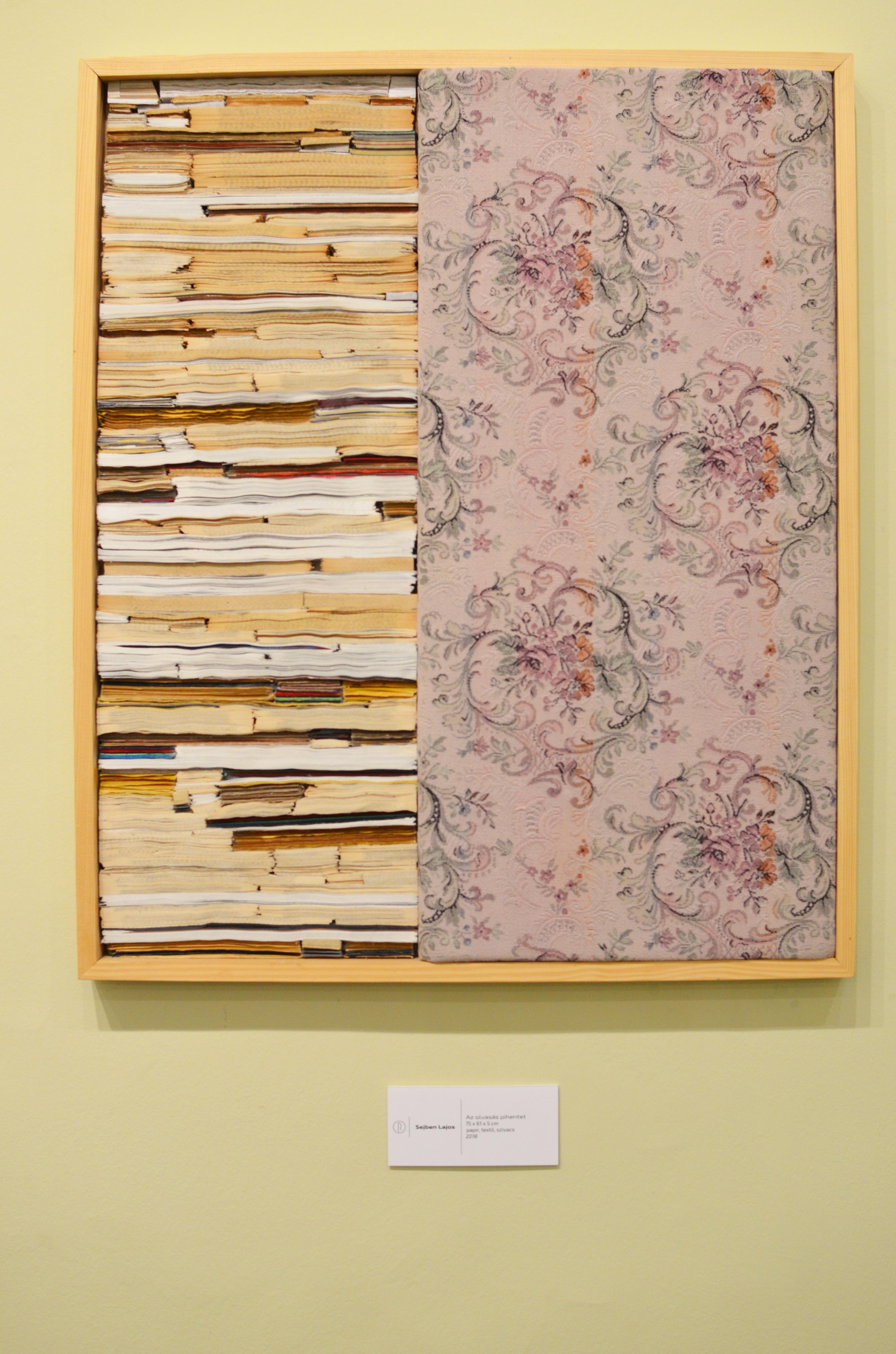 Az-olvasás-pihentet-80x60x5cm-könyvlapoktextil-szivacs