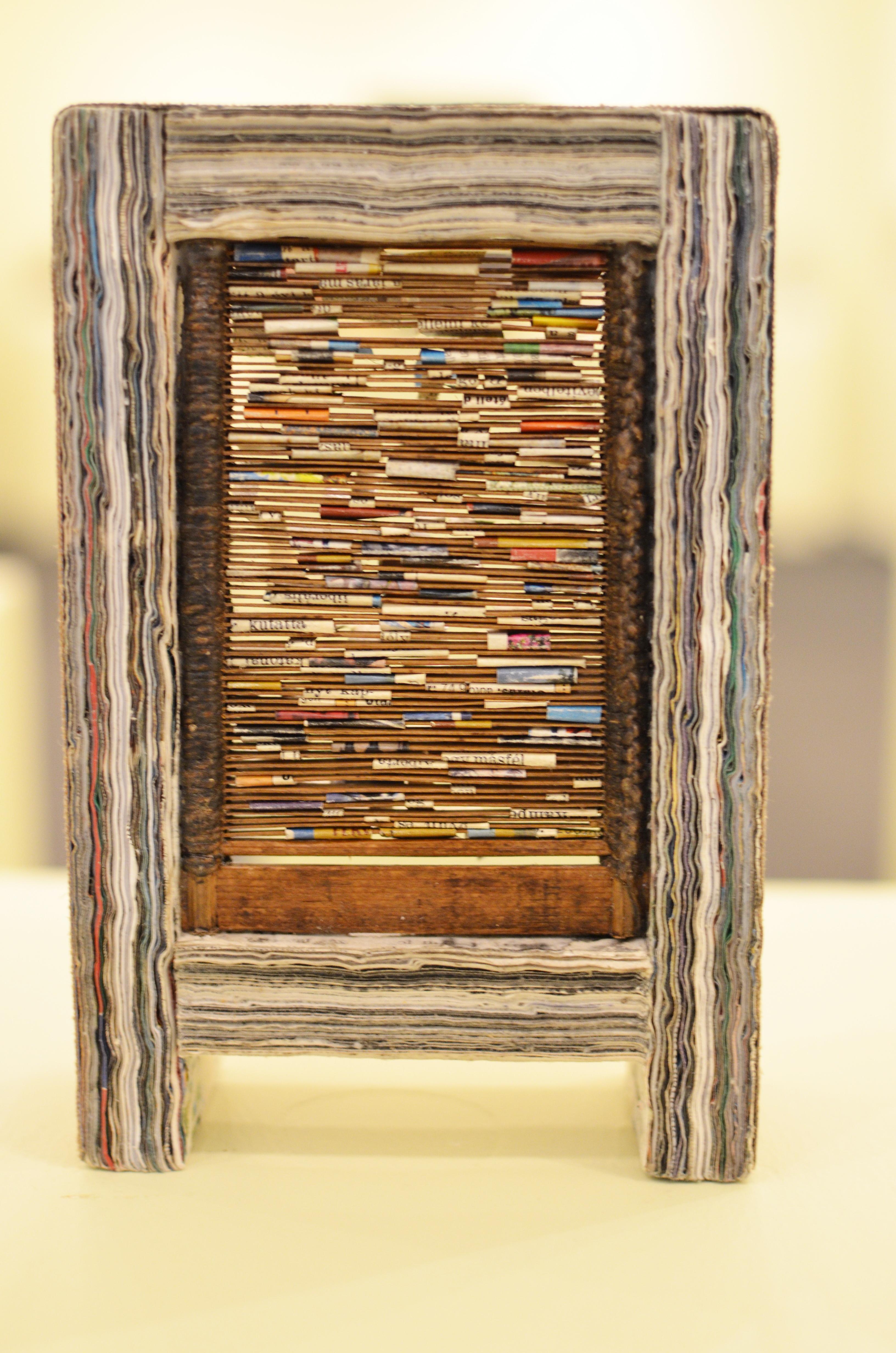 Privát-könyvtár-20x15x7cm-könyvlapokfém-fa
